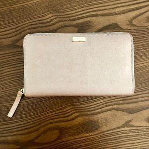 Kate Spade Laura Way Talla Travel Wallet